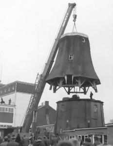 De molen tijdens de verplaatsing 1974-75
