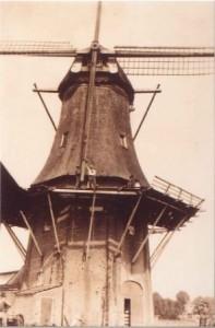 Het strijken van de oude roeden en het steken van de Potroeden in 1936 - foto collectie G.H. Varwijk