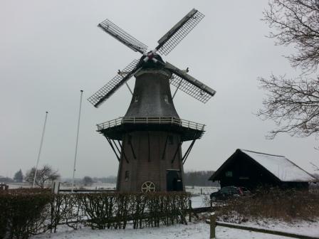 De molen op 7-1 in de sneeuw