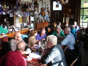 Koffie drinken in blues cafe De Amer
